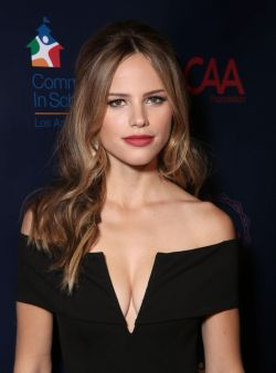 halston-sage-caa-s-young-hollywood-party-benefit-in-west-hollywood-october-2015_1